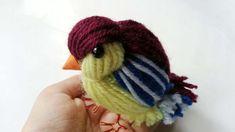 elaborando pajaros con hilos de lana  ...How To Create A Cute Yarn Bird - DIY Crafts Tutorial - Guidecentral