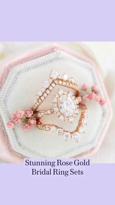 Dream Engagement Rings, Rose Gold Engagement Ring, Vintage Engagement Rings, Engagement Pictures, Vintage Rings, I Love Jewelry, Jewelry Rings, Fine Jewelry, Bridal Ring Sets