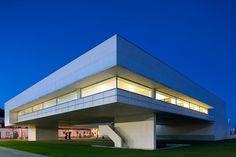 Alvaro Siza - Biblioteca Municipal de Viana do Castelo, Portugal