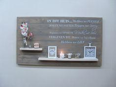 Wanddecoratiebord grijs met muursticker IN DIT HUIS L135xH78cm voorraad artikel (14320141151) | Wanddecoratieborden | JORG`S Houten Meubelen