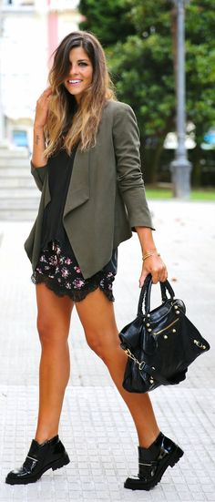 Everyday New Fashion: URBAN CHIC Flowers and Lace