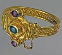 Sarmatian gold and gemstone bracelet, 1st century CE - Sokolova Mohyla tumulus near the village of Kovalivka, Mykolaiv Region, Ukraine.