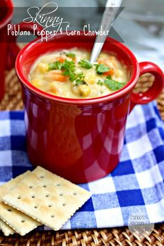 Skinny Poblano Pepper and Corn Chowder: Easy, delicious and diet friendly!  What more can you ask for? #soup #corn