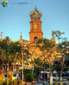 Puerto Vallarta's parish Nuestra Señora de Guadalupe is a city icon, it dominates Vallarta's downtown skyline and is one of the favorite symbols and landmarks of the city, both in photos, shirts, logos and postcards.Read more: http://www.puertovallarta.net/what_to_do/our-lady-of-guadalupe-church.php  La Parroquia de Nuestra Señora de Guadalupe es un ícono de Pto. Vallarta, domina la ciudad y es uno de los símbolos y puntos de referencia favoritos en la ciudad, la encontrarás en fotos…