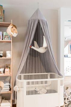 Babybett Mit Baldachin Bei Snowflake Kindermöbel In Zürich #baby  #babyzimmer #babyroom #nursery