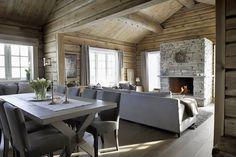 Journal of Interior Design - Wnętrze: zbudować kolonię House Design, Rustic House, House Interior, Chalet Interior, Cabin Interiors, Rustic Living, Cabin Decor, Log Homes, Home Decor