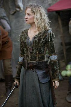 Female Robin Hood | female warrior sexyleathergirls.blogspot.com