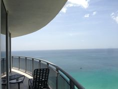 DoubleTree by Hilton Ocean Point Resort & Spa: An upscale, beachfront resort and spa featuring a full spectrum of amenities. Located minutes from Aventura Mall, Sun Life Stadium and Bal Harbour Shops, it offers oversize one- and two-bedroom suites. #Miami #Hotels