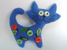 Arts And Crafts Joann Felt Crafts Patterns, Felt Crafts Diy, Cat Crafts, Felt Christmas Decorations, Felt Christmas Ornaments, Dog Ornaments, Ornament Crafts, Felt Embroidery, Felt Cat
