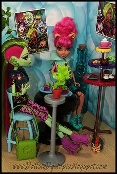 Monster High ideas for rooms. Too cute. Soy Milk! Oh my. The blonde in the pic.