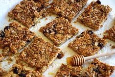 τραγανές-μπάρες-με-ηλιόσπορο Krispie Treats, Rice Krispies, Sweet Recipes, Healthy Recipes, Granola Bars, Tiramisu, Cereal, Healthy Living, Lunch Ideas