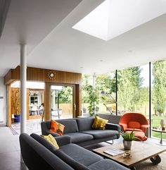 In the London Suburbs, a Home Rebuilt Around a View