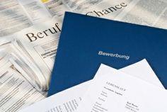 La lettre de motivation allemande présente globalement les mêmes caractéristiques que sa cousine française. Tout d'abord, elles partagent le même but : se démarquer des autres candidats en apportant rapidement les informations qui comptent aux recruteurs. Ensuite, elle se présentent à peu de choses près de la même manière.  http://www.eurorekruter.com/lettre-motivation-allemande.html