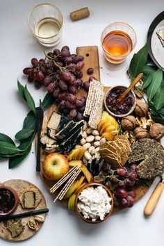 There's still time to make this all vegan cheese board! 🌱🧀 Grab some crackers, your favorite vegan cheeses, fruit, nuts,… Cheese Platter Board, Cheese Platters, Food Platters, Cheese Boards, Best Cheese, Vegan Cheese, Antipasto, Vegan Appetizers, Appetizer Recipes