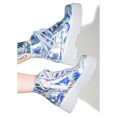 Y.R.U. Hologram Slayr Boots ($135) ❤ liked on Polyvore featuring shoes, boots, patterned combat boots, platform boots, holographic boots, print boots and platform shoes