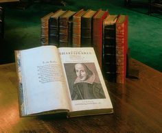 To mark the anniversary of William Shakespeare's death, the Folger Shakespeare Library is sending his First Folio, the first printed collection of all his plays out on tour. Shakespeare Words, Shakespeare Theatre, Shakespeare Festival, Shakespeare Plays, William Shakespeare, Bbc News, First Folio, Writers, Reading