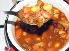 Ez nekem is tutira a kedvenceim közé kerülne! Goulash Soup, Stew, Hungarian Recipes, World Recipes, Chana Masala, Pot Roast, Healthy Lifestyle, Grilling, Curry