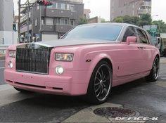 Rolls Royce Phantom in tinta rosa - Fancy Cars, Cute Cars, My Dream Car, Dream Cars, Rolls Roys, Pink Truck, Rolls Royce Phantom, Teenager Outfits, My Ride