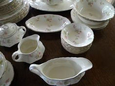 Your place to buy and sell all things handmade Antique Tea Sets, Dessert Bread, Pretty Patterns, Salad Plates, Serving Dishes, Leaf Design, Sugar Bowl, Dinner Plates, Dinnerware