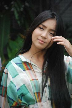Filipina Actress, Cant Help Falling In Love, Kathryn Bernardo, Pitch Perfect, Best Actress, Celebrity Photos, Actresses, Long Hair Styles, Portrait