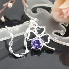Noble violet médaillon en plaqué argent
