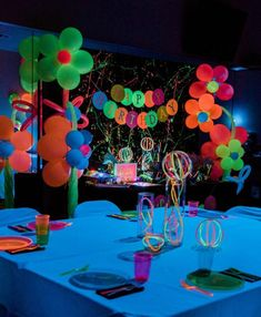 This fabulous Neon Glow Birthday Party featured at Kara's Party Ideas is putting on a show! Neon Birthday, 13th Birthday Parties, Birthday Party Celebration, Birthday Party Decorations, Party Themes, Dance Party Birthday, 11th Birthday, Neon Decorations, Birthday Design