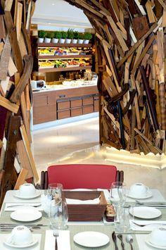 Noi mergem în Grecia la design all inclusive! Taste Restaurant, Restaurant Design, Athens Restaurants, Palace Hotel, Wood Interiors, All Inclusive, Architect Design, Art Of Living, Travel Destinations