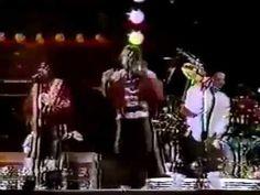 Michael Jackson & Eddie Van Halen - Beat It Live (1984) - YouTube