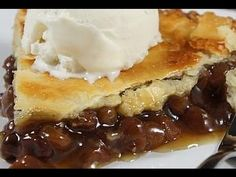 Caramel Apple Sheet Cake is a sweet, moist cake loaded with tender apples and topped with gooey caramel glaze in a big pan.perfect for feeding a crowd! Cookbook Recipes, Pie Recipes, Baking Recipes, Dessert Recipes, Healthy Recipes, Raisin Pie Filling Recipe, Fall Desserts, Delicious Desserts, British Baking
