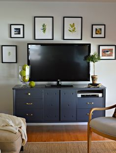 Nature inspired TV gallery wall added in a small living room… Small Living Rooms, Decor, Living Room Tv, Homedecor Living Room, Living Room Designs, Home Furniture, Home Decor, Tv Gallery Wall, Interior Remodel