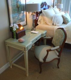 Writing Desk, bedside... a French touch. (inventory:2)