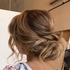 80+ Stunning Bridal Hairstyles to Steal Right Now | My Sweet Engagement -  Get inspired with 80+ amazing bridal hairstyle ideas for your wedding day. 💕 // mysweetengagemen - #bridal #engagement #haircolorhairstyles #hairstyleformediumlengthhair #hairstyles #right #steal #stunning #sweet