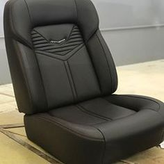 Check out this gorgeous custom bucket seat by one of my favorite shops Custom Car Interior, Car Interior Design, Truck Interior, Car Interior Upholstery, Automotive Upholstery, Custom Car Seats, Custom Cars, Custom Trucks, Rustic Home Interiors