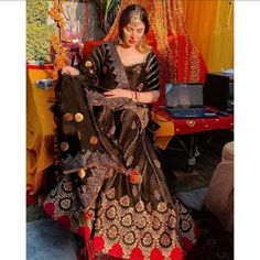 Pakistani Formal Dresses, Pakistani Wedding Outfits, Pakistani Bridal Wear, Pakistani Dress Design, Pakistani Girl, New Designer Dresses, Indian Designer Outfits, Bridal Dresses, Girls Dresses