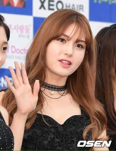 Waving to fans and press. South Korean Girls, Korean Girl Groups, Jung Chaeyeon, Choi Yoojung, Kim Sejeong, All About Kpop, Jeon Somi, Pop Group, Pretty Woman