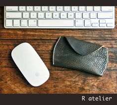$30 | Apple Magic Mouse Handmade Premium Leather Case / Pouch #handmadeleather #applemagicmouse #appleaccessories #computeraccessories #leathergifts