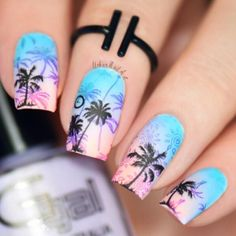 Nail art Christmas - the festive spirit on the nails. Over 70 creative ideas and tutorials - My Nails Tropical Nail Designs, Funky Nail Designs, Ombre Nail Designs, Short Nail Designs, Nail Designs Spring, Sunset Nails, Beach Nails, Trendy Nails, Cute Nails