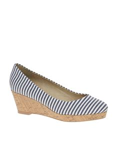 Memorial Day Inspiration // ASOS SKYE Mid Height Wedges