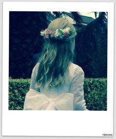 media corona flores Ruffle Blouse, Crown, Women, Fashion, Floral Headdress, Bridesmaids, Crowns, Events, Moda