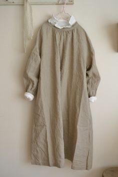 린넨 프릴칼라 원피스(nest robe)
