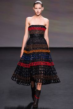 Christian Dior Fall 2013 Couture - Review - Fashion Week - Runway, Fashion Shows and Collections - Vogue