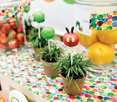 10 Creative Children's Book Themed Baby Shower Ideas + Free Printables brought you by Huggies Baby shower Planner and Hostess with the mostess. Baby Shower Planner, Baby Shower Themes, Shower Ideas, Hungry Caterpillar Food, Construction Birthday Parties, Construction Party, Party Entertainment, Creative Kids, Cakepops