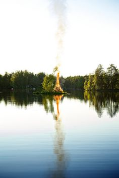 A Finnish midsummer bonfire. This alone is worth the trip to Finland.the sun is up all night on this, the longest night of the year. Lappland, Helsinki, Finland Summer, Summer Cabins, Sweden, Scandinavian Countries, Summer Solstice, Europe, Night Life