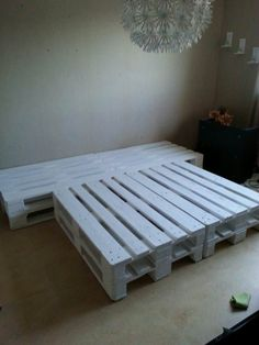 Amazing Pallet Bed Made Out Of Repurposed Wooden Pallets #bed #bedroom #painted #palletbed #palletheadboard #recyclingwoodpallets Got 10 pallets for free and wondered what to do with them. I've already done a balcony lounge. So, a pallet bed! We measured and discovered that they...