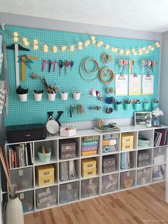 Real Life Small Craft Room Makeover and Organization