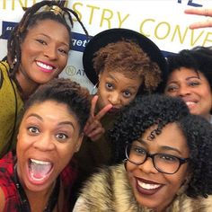 Shout out to my blogger boos who attended today. It felt good to be honored and respected by other industry professionals for our unique talents and abilities in the natural hair care industry. And we had fun! Repost from @ishagainesphoto with @curlynugrowth @missbmonet @curls_unbothered XOXO #nhic2015 #bloggersunite #problogger by naturallyglam