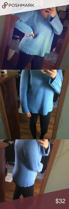 •comfy blue boy >baby blue sweater >vneck >soft/chunky knit >semi bell sleeves >stretch and slouch >used/excellent condition/no defects >no sizing tag/fits Medium-Large best  feel free to make an offer💕 my prices are just starting points! Sweaters V-Necks