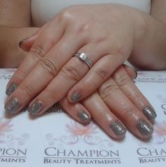 A dry manicure complete with CND Shellac 'Rubble' & 'Ice Vapor' nail polish.