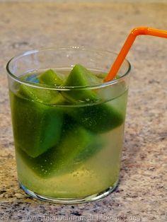 Diese Idee von Susi finde ich ganz besonders toll: grüner Smoothie-Eiswürfel! Einfach genial! Wird bei mir auch sofort gemacht.