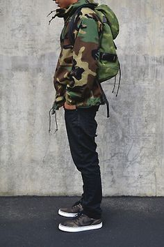 How to Wear a Camouflage Jacket For Men looks & outfits) Fashion Killa, Look Fashion, High Fashion, Mens Fashion, Street Fashion, Camo Fashion, Fashion Menswear, Fashion Outfits, Street Outfit